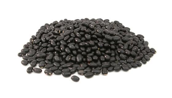 검은콩에 들어있는 안토시아닌 색소는 탈모 예방에 효과적으로 알려져있다. 아이소플라본과 같은 식물성 단백질은 천연 여성호르몬으로 기능한다. [사진 중앙포토]