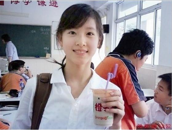 '밀크티녀'로 화제가 된 류 회장의 부인 장쩌톈.