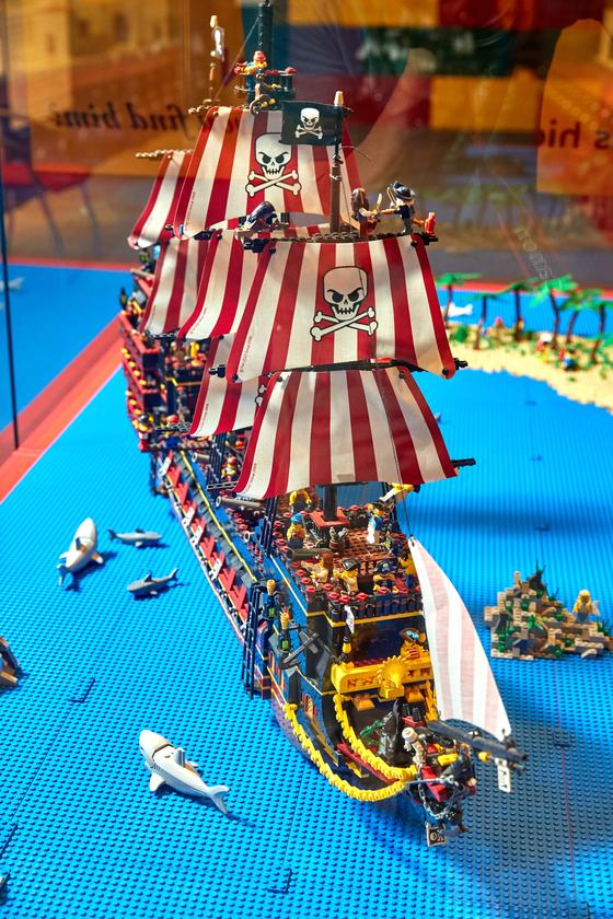 '해적의 모험' 디오라마에 있는 해적선의 모습.