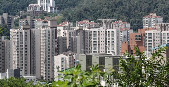 최근 가격 상승세를 보이고 은평뉴타운의 아파트의 지난 8월 12일 오전 모습. [연합뉴스]