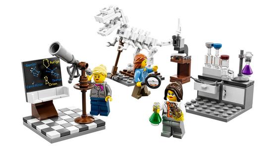 시민의 아이디어로 출시된 레고의 여성 과학자 시리즈 미니 피겨.