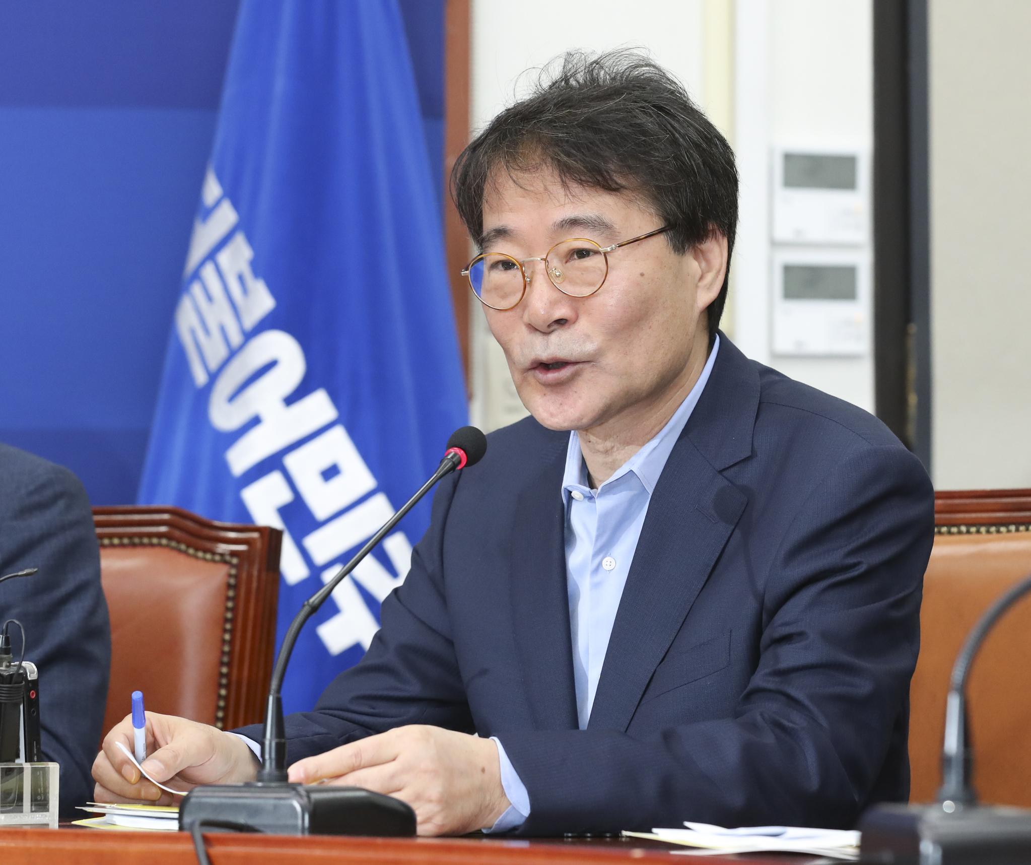 장하성 청와대 정책실장. 임현동 기자