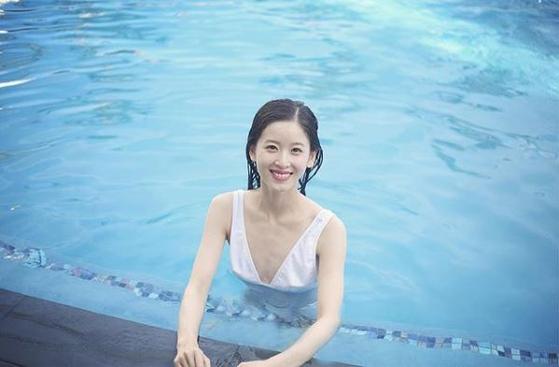 류창둥의 부인 장쩌톈(章澤天·25) 현 징둥공익기금 이사장. [인스타그램]