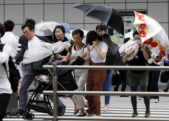 제 21호 태풍 '제비'가 4일 일본에 상륙했다. [EPA=연합뉴스]