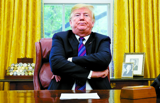 文 친서로 김정은과 간접대화 트럼프...비핵화 협상 다시 백악관에
