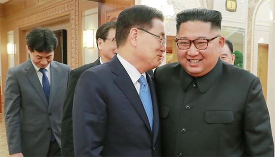 특사단, 김정은 만나 문 대통령 친서 전달