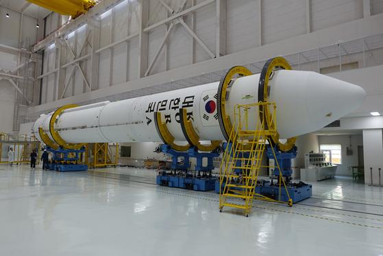10월 말 나로우주센터에서 발사할 예정인 시험 발사체의 모습. 75t 엔진을 장착했다. [사진 항공우주연구원]