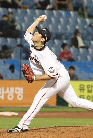 역투하고 있는 한화 투수 박상원. [연합뉴스]