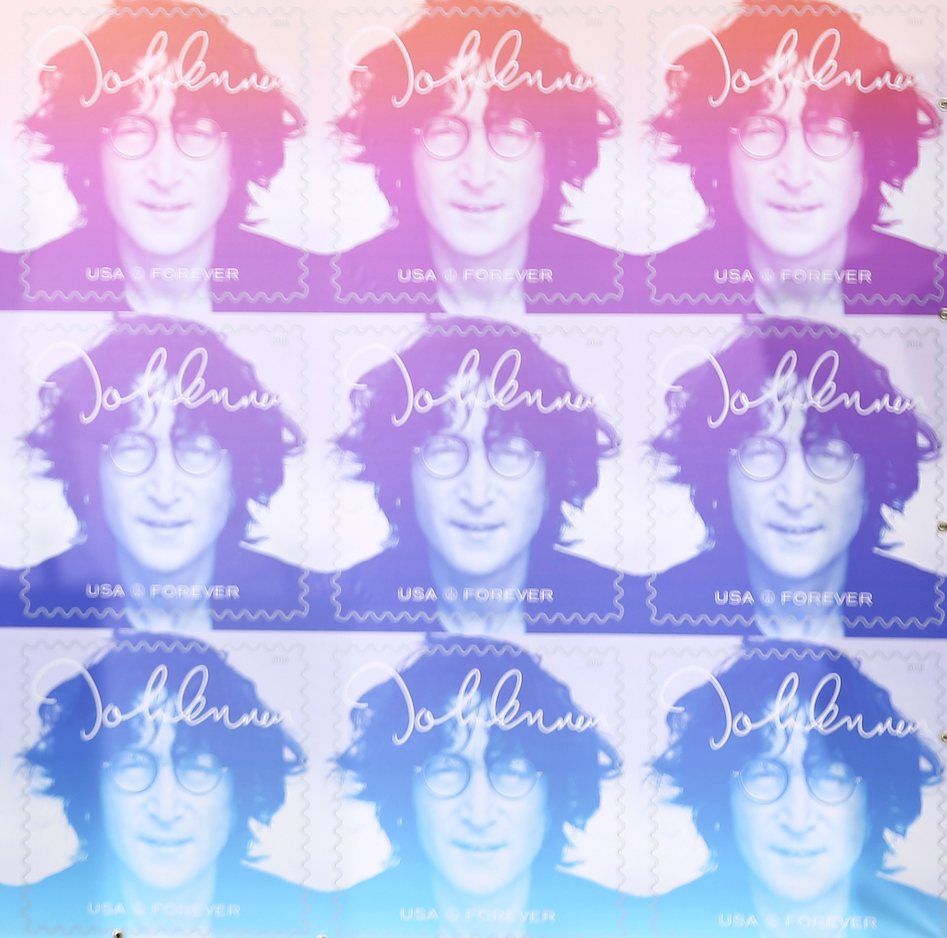 [서소문사진관]레코드 판 만한 우표로 만들어진 존 레논