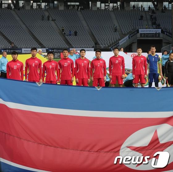 북한 남자축구가 자카르타-팔렘방 아시안게임 조별리그 최종 3차전에서 사우디아라비아를 3-0으로 완파하고 16강에 진출했다. [뉴스1]