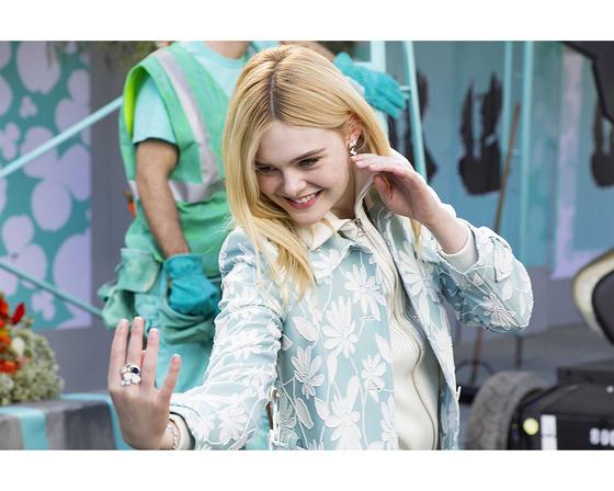 티파니의 새로운 광고 캠페인 '빌리브 인 드림'은 한 편의 뮤지컬을 보는 듯 위트와 즐거움이 넘친다.