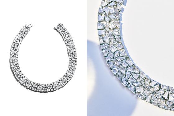 티파니 하이주얼리의 정수를 볼 수 있는 '블루북 컬렉션'. 매년 혁신적인 새로운 디자인을 선보이는데 올해의 하이라이트는 는 얼음조각이 갈라진 듯, 서로 다른 모양의 다이아몬드 조각을 섬세하게 연결한 목걸이였다. 예상 판매 가격은 10억원 정도라고 한다.