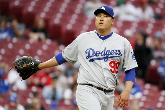 LA 다저스 류현진이 신시내티와의 원정경기에서 초반 홈런 두 방을 허용했다. 신시내티=연합뉴스