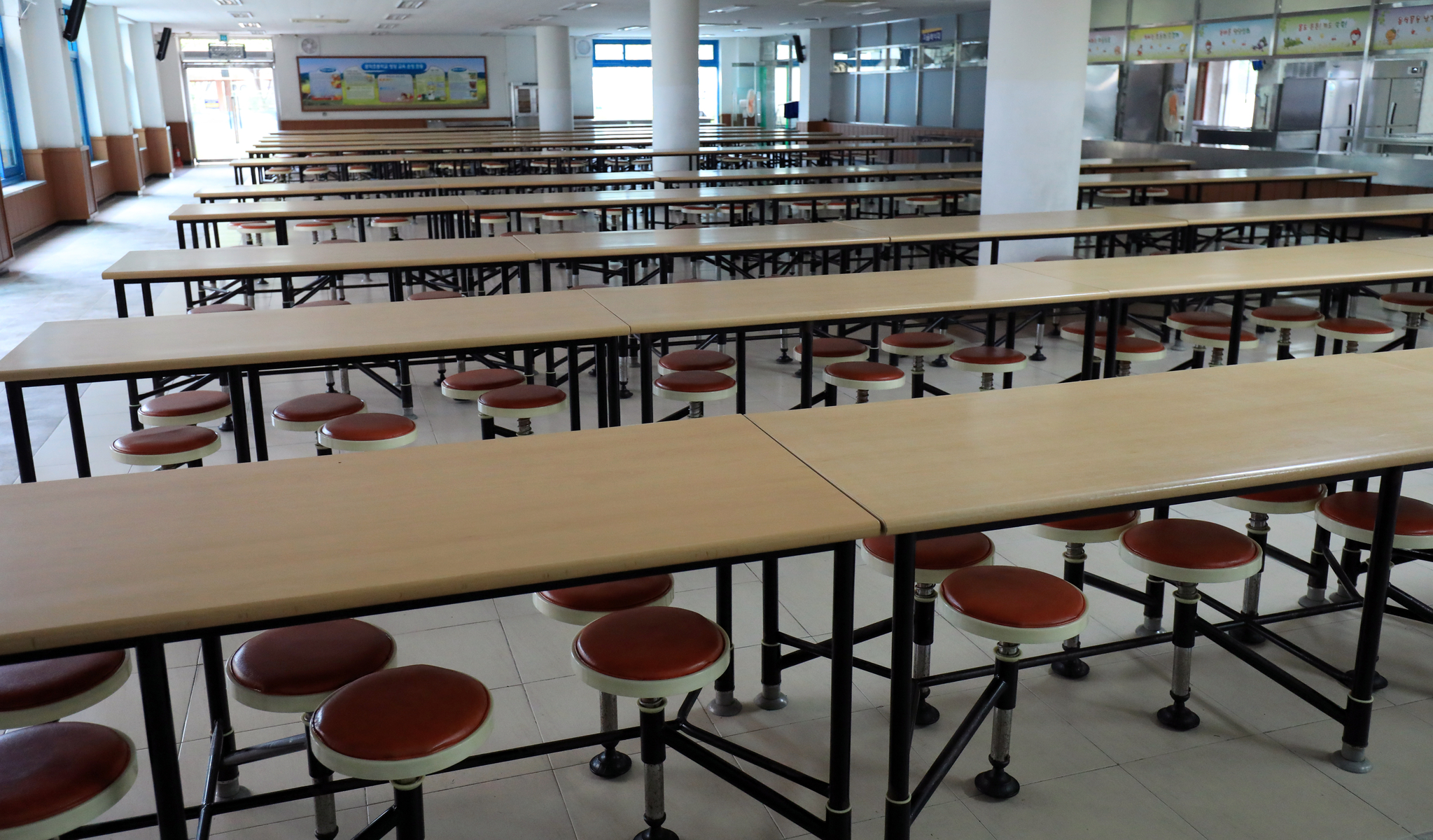 한 학교의 급식실이 운영을 중단해 텅 비어 있다. (※이 사진은 기사 내용과 직접적인 관련이 없습니다)[뉴스1]