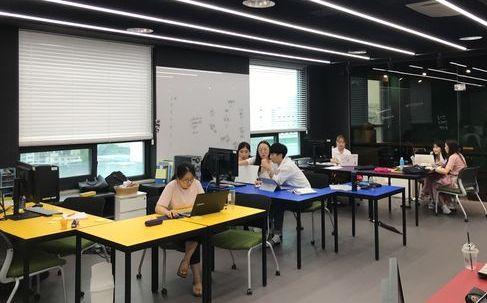 지난 3일 새학기를 맞아 한양비즈니스랩 4기로 선발된 학생들이 프로젝트 회의를 하고 있다. [김나현 기자]