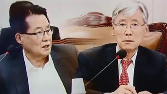 박지원 민주평화당 의원(왼쪽)과 여상규 자유한국당 의원. [사진 JTBC 방송 캡처]