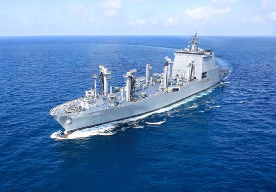 국내 최대 군수지원함 소양함
