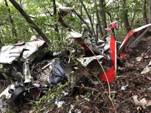 완주 동상저수지 부근 야산서 경비행기 추락…2명 사망