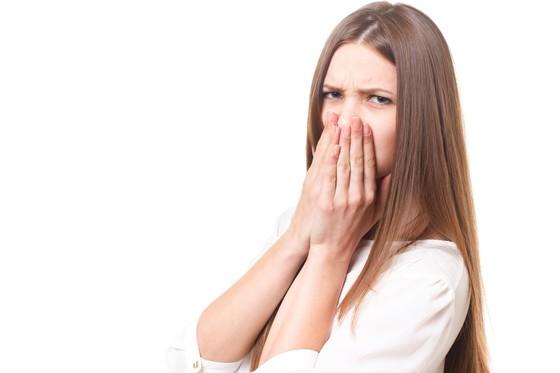 냄새의 정체는 특정 개체에서 떨어져 나온 휘발성 물질이다. 코를 막아도 입으로 숨을 쉰다면 해당 물질은 입을 통해 인체 안으로 들어온다. [중앙포토]