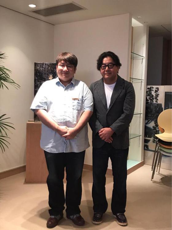 Bang Sihyuk BigHit's CEO(left) and Yasushi Akimoto(right), Photo from Akimoto's social media