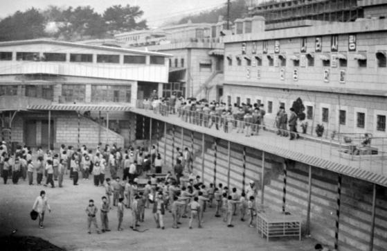 형제복지원에 강제수용된 어린이들의 모습.[중앙포토]