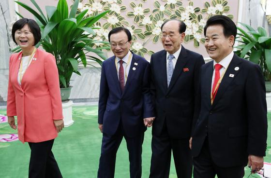 '노쇼' 논란 3당 대표…김정은 한마디에 회동 성사