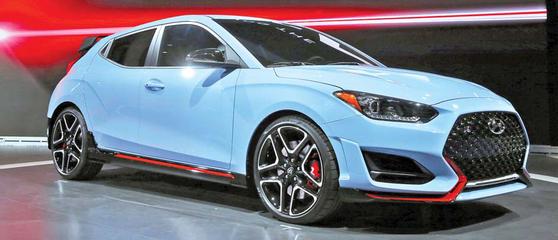 벨로스터 N은 2017년 유럽에서 출시된 i30 N에 이어 개발된 현대자동차의 두번째 고성능 해치백이다. 본격적인 고성능을 추구하기보다 높은 기본기로 운전 재미를 즐기는데 초점을 맞췄다. [사진 현대자동차]