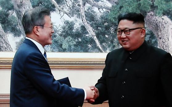 """남북 정상 """"전쟁 없는 한반도 시작""""…군대 안 가도 될까?"""