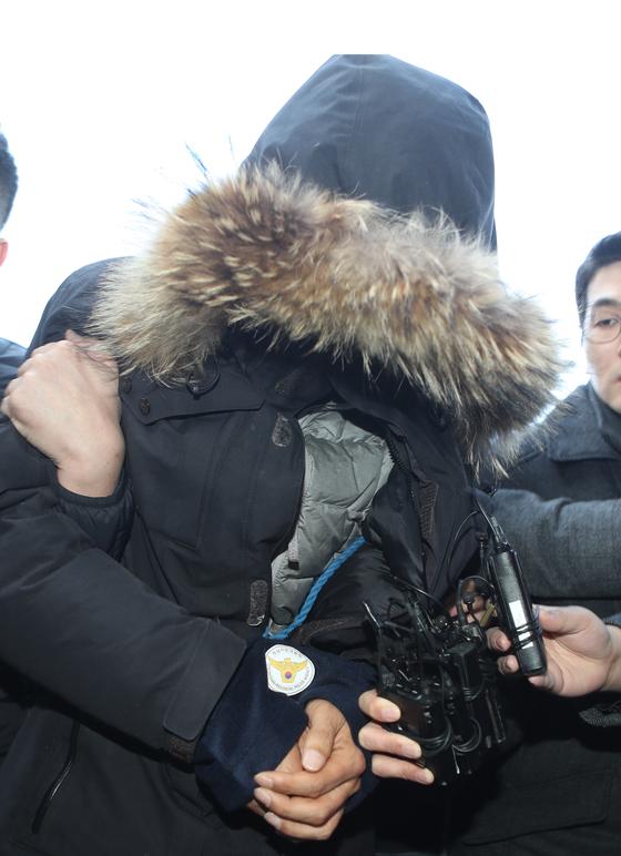 김해 극단 '번작이' 대표, 이윤택 이어 두 번째 미투 실형…징역 5년
