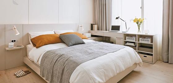 한샘은 2018년 가을·겨울 트랜드를 '위로와 격려'로 정하고 지친 현대인의 삶을 위로하고 격려하는 다양한 공간을 제안했다. 홈캉스 트렌드에 따라 호텔처럼 꾸민 침실.