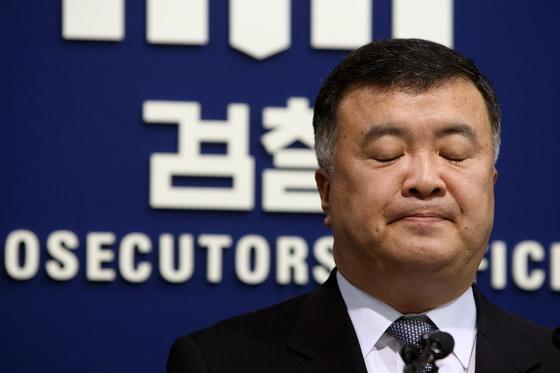 이인규 전 중수부장  '반기문 3억 수수 보도' 언론사에 2심도 패소