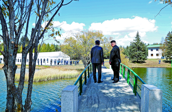 """""""김정은, 비핵화 빨리 끝내고 경제 집중하고 싶다 말했다"""""""