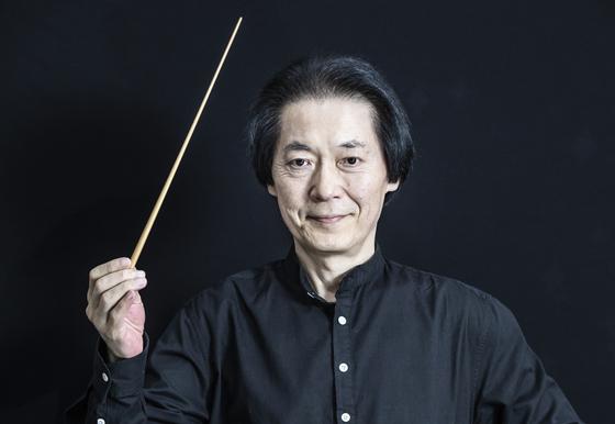 """""""윽박질러 훈련시킨 오케스트라는 부자유한 음악을 할 수밖에 없다""""는 정치용 지휘자. 권혁재 사진전문기자"""
