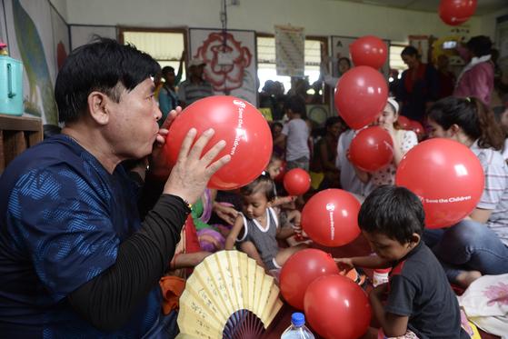 세이브더칠드런 코리아가 지난 8월 후원자와 함께 네팔에 갔다. 후원자들은 5박 7일동안 자신이 후원하는 아동을 만나고 돌아왔다. [세이브더칠드런 제공]