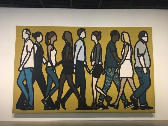줄리언 오피의 그림. 우키요에의 검은 윤곽선에서 영향을 받았다. 폴 고갱과는 다른 윤곽선 그림을 나타내며, 인물 생략이 많아 오늘날의 만화와 비슷하게 보인다. 자포니즘의 영향은 계속적으로 현대미술에 나타나고 있다. 사진 이후남 기자