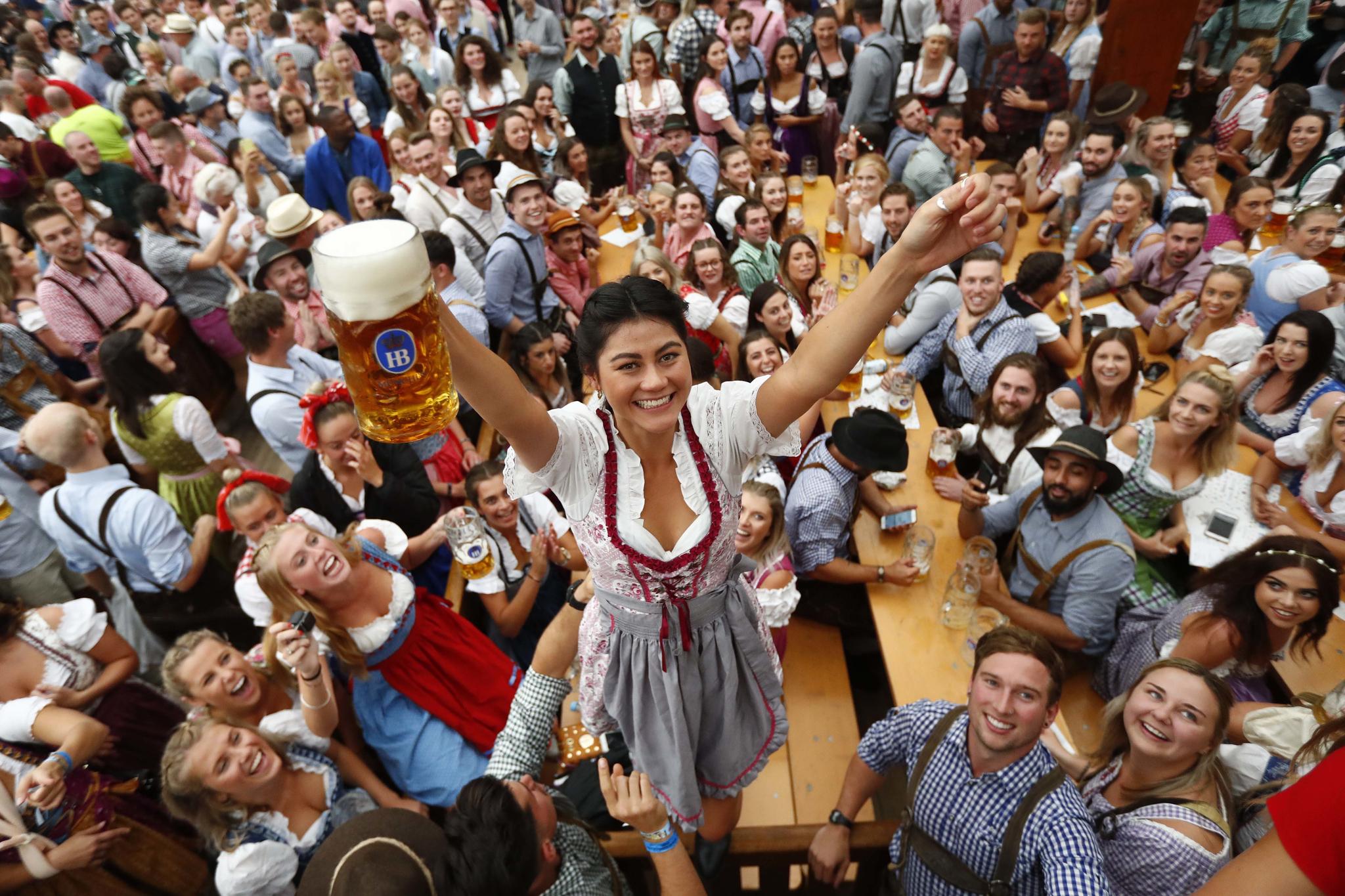 [서소문사진관] 700만잔 맥주 축제 옥토버페스트 개막
