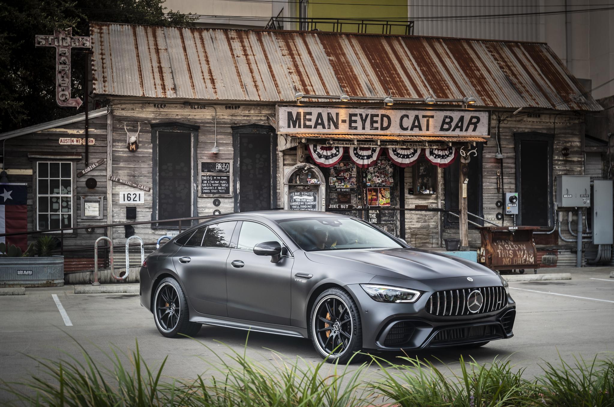 메르세데스-AMG는 지난 18일(현지시간) 미국 텍사스 오스틴에서 4인승 스포츠카 모델인 'AMG GT 63 S 4MATIC+' 시승 행사를 열었다. 최대 출력 639마력 엔진을 탑재한 이 차는 정지 상태에서 시속 100㎞까지 3.2초 안에 주파한다. 최고 속도는 315㎞/h다. [사진 메르세데스-AMG]