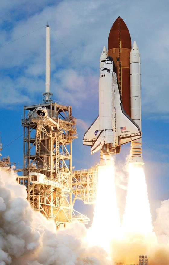 미 항공우주국(NASA)은 지구와 우주를 왕복하는 스페이스셔틀(STS)을 1980년대부터 운영해왔지만 예산 문제 등으로 2011년 퇴역시켰다. [사진=NASA]