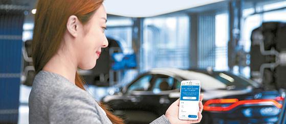 현대캐피탈은 저금리 상품으로 시장을 선도하고 있다. '디지털 자동차금융 신청시스템'을 통하면 간편하게 중고차 금융을 이용할 수 있다. [사진 현대캐피탈]