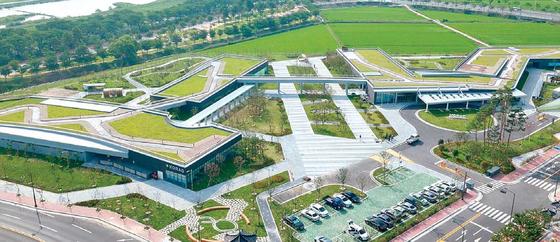 2019년 창립 10주년을 맞는 한국원자력환경공단은 방폐물관리 전담기관 역할 확대와 공공성 강화에 역량을 집중하고 있다. [사진 한국원자력환경공단]