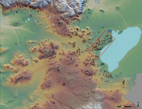 최첨단 항공 매핑(Mapping) 기술 '라이더(LIDARㆍLIght Detection And Ranging)'를 이용해 발견한 밀림 속 마야문명. 총 6만여점의 유적을 발견했으며, 이를 통해 인구는 700~1100만명 정도 일 것으로 추정됐다. [사진 EPA=연합뉴스]