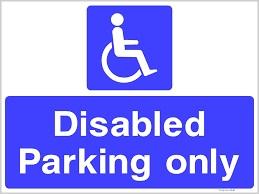 장애인 주차 구역 표지판