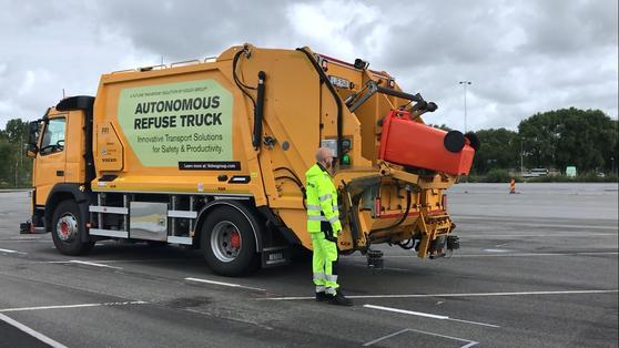 쓰레기 재활용 기업 레노바도 예테보리에서 자율주행트럭을 청소차로 이용하고 있다. [문희철 기자]