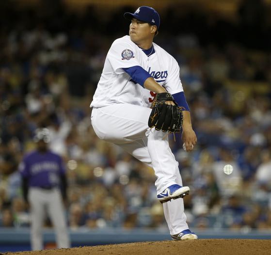2013년 LA 다저스와 6년 계약을 맺은 류현진. 올해가 계약 마지막 해다. [AP=연합뉴스]