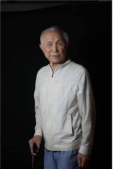 #02정지윤 _ 귀향(歸向). 박종린(1933년생) 평양시, 복역기간 35년.