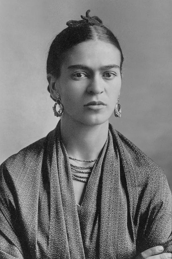 멕시코 출신의 화가 프리다 칼로. ⓒ퍼블릭 도메인 [사진 위키미디아 커먼(저작자 Guillermo Kahlo)]