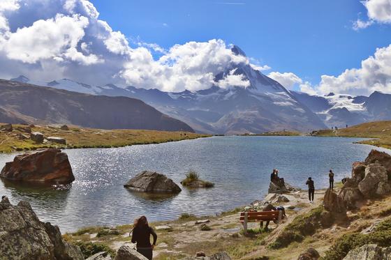 스위스 마테호른. 유럽 심장부에 자리한 세계제일의 관광명소인 스위스는 1인당 국민소득이 8만 달러가 넘는 세계 최상위 부자나라다. [중앙포토]