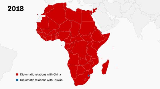 올해 기준 아프리카 대륙의 대만 수교국은 사실상 없다고 해도 무방하다. 아래 미세하게 파란색으로 표시된 나라가 바로 유일한 수교국인 스와질란드. [CNN 캡처]