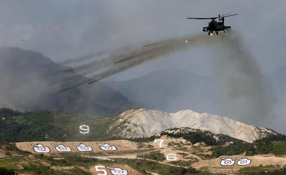 2015 통합화력 격멸훈련. AH-64D 아파치 공격헬기(주한미군).