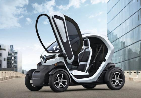 르노가 개발한 초소형 전기차 '트위지'는 프랑스에선 간선도로 주행도 가능하다. 한국에선 간선도로 주행은 안전상의 이유로 막혀 있다. [사진 르노삼성]